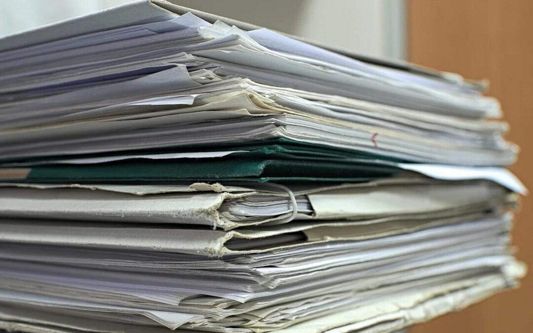 Documentos en papel, al usarlos pierdes más de lo que ganas.